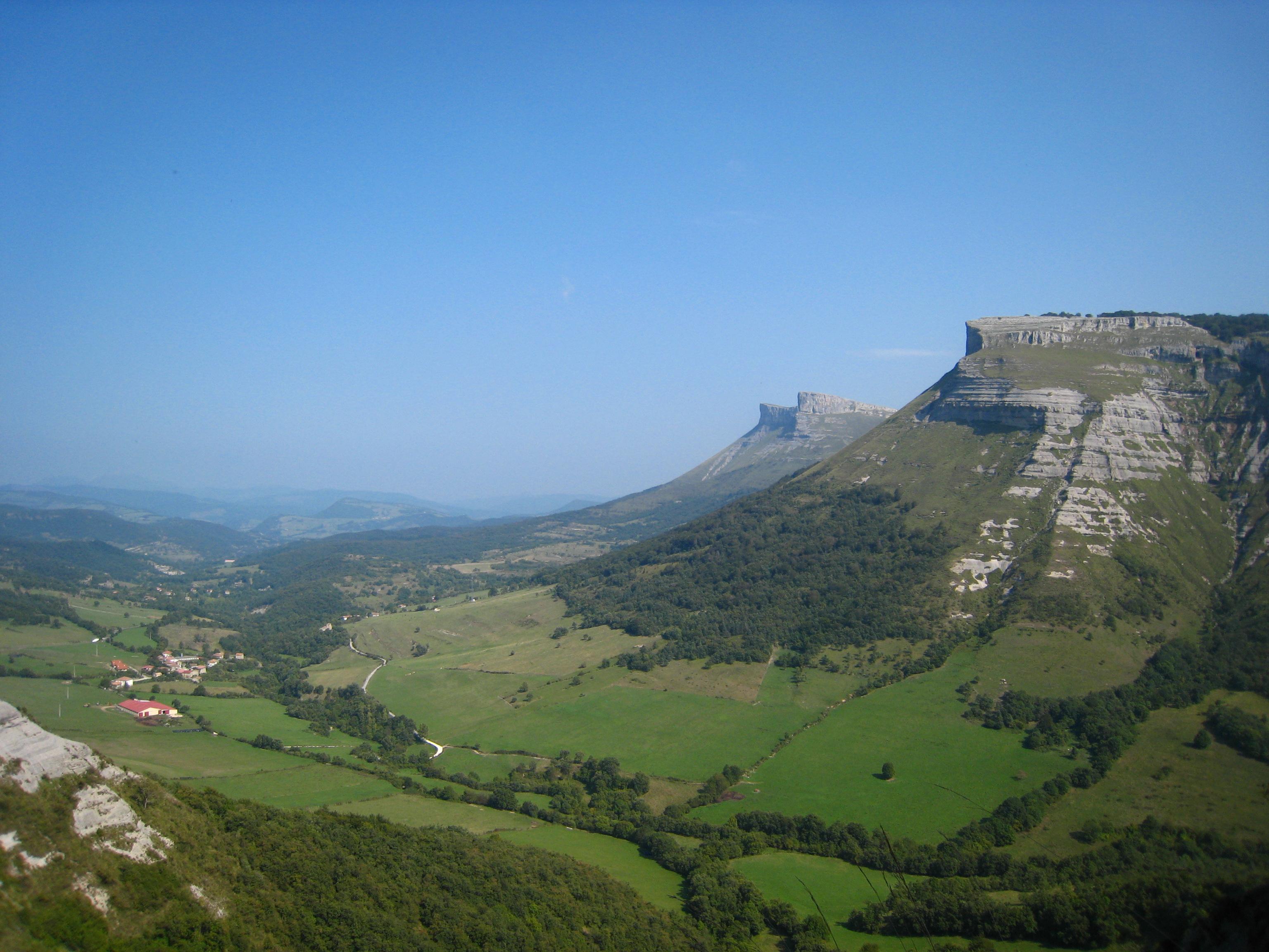 Resultado de imagen de Valle de Angulo