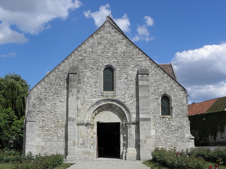 Église Saint-Rémi de Verneuil (51). Façade occidentale.