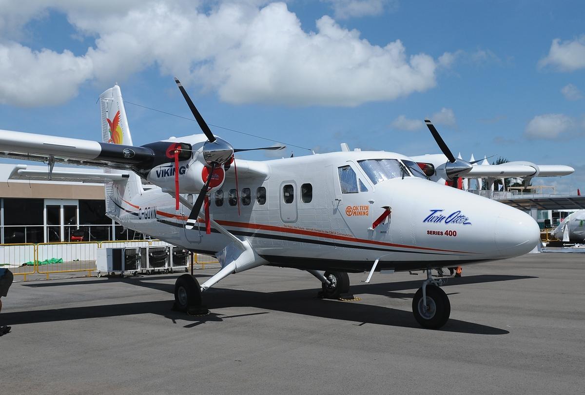 File:Viking DHC-6-400 ...
