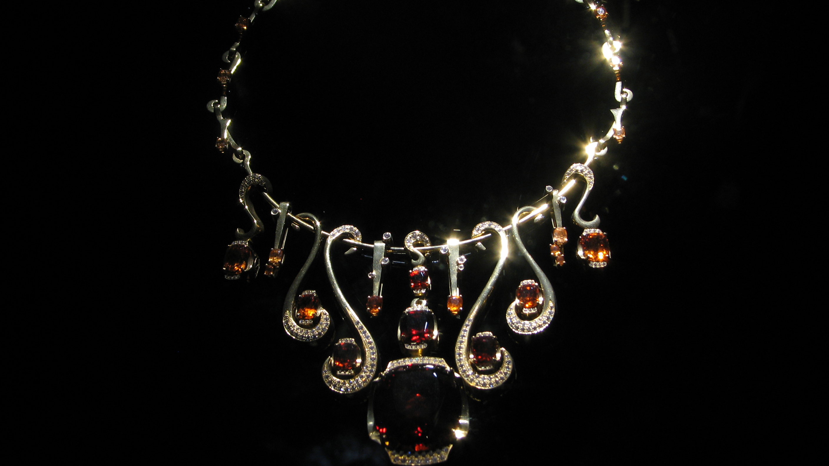 by courtney heyman category red blog oscar company mccaskill mandarin aphrodite necklace erica garnet