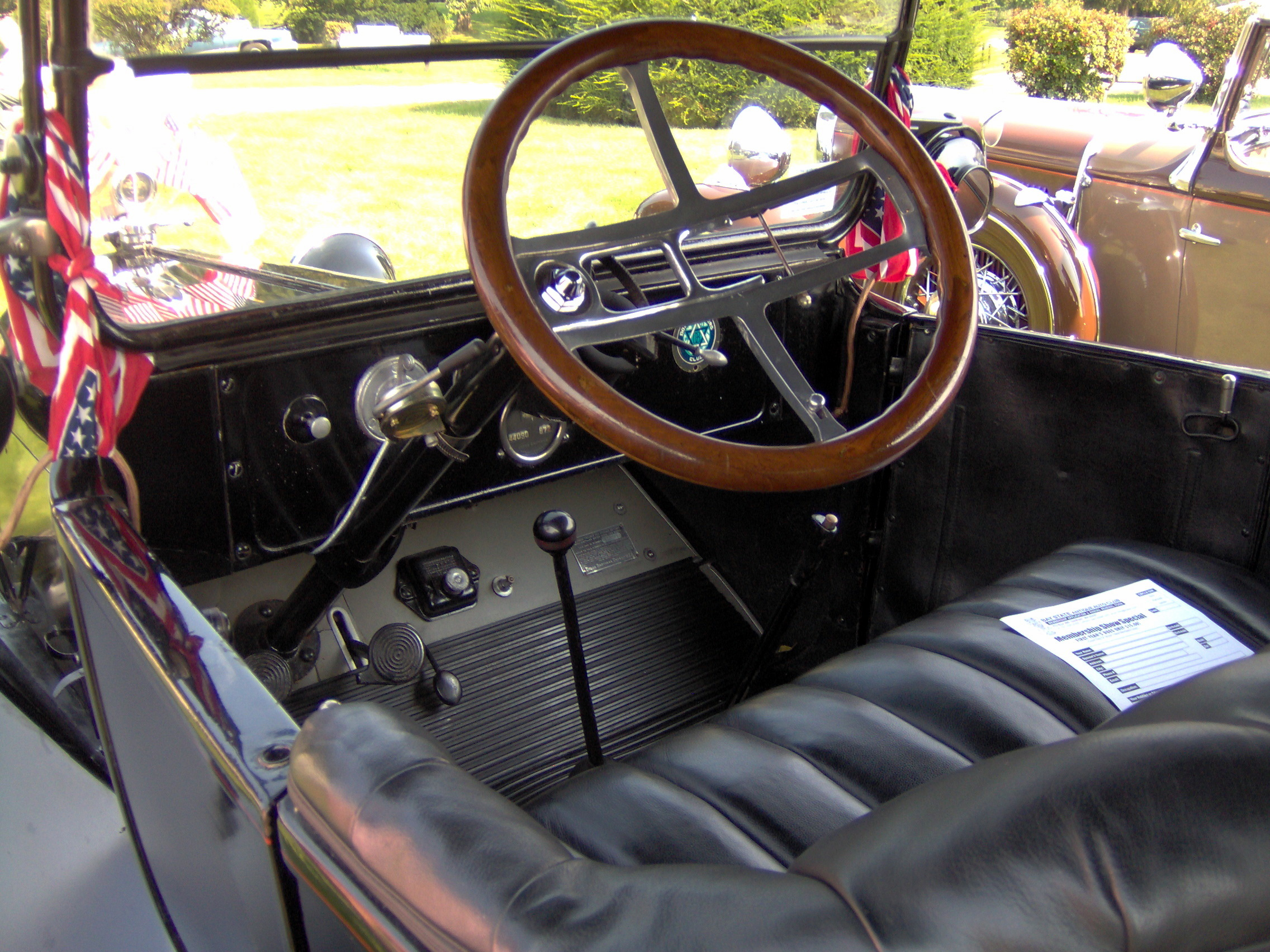 file 1920 dodge brothers touring car interior jpg wikimedia commons