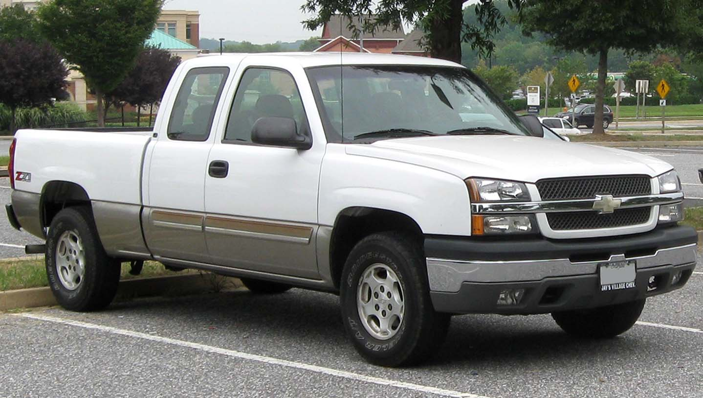 Description 2003-2005 Chevrolet Silverado -- 09-03-2010.jpg