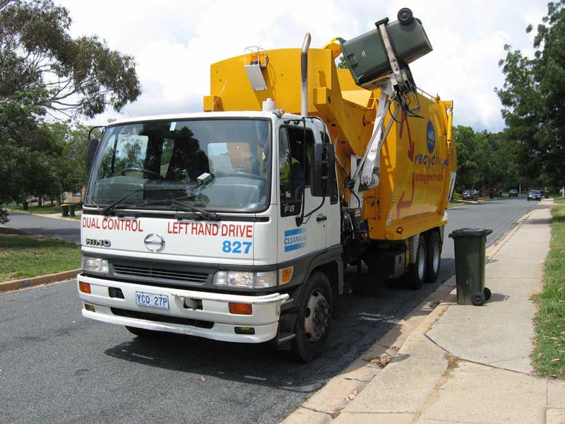 http://upload.wikimedia.org/wikipedia/commons/1/11/ACT_recycling_truck.jpg