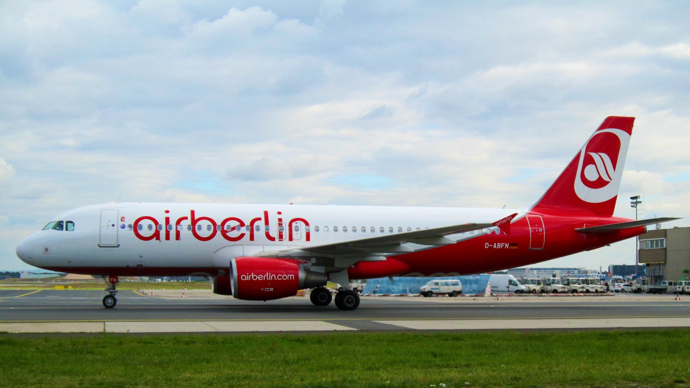 File:Air Berlin, Airbus A320-214, D-ABFN (14191432311).jpg