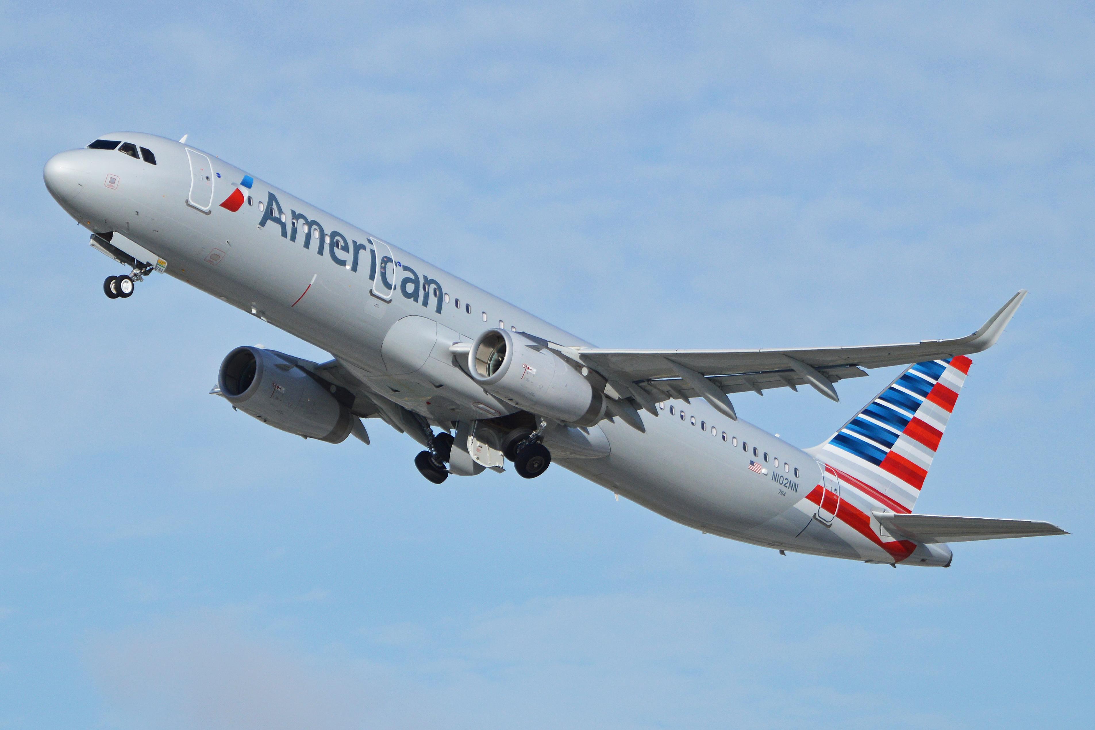 Bildresultat för american airlines a321