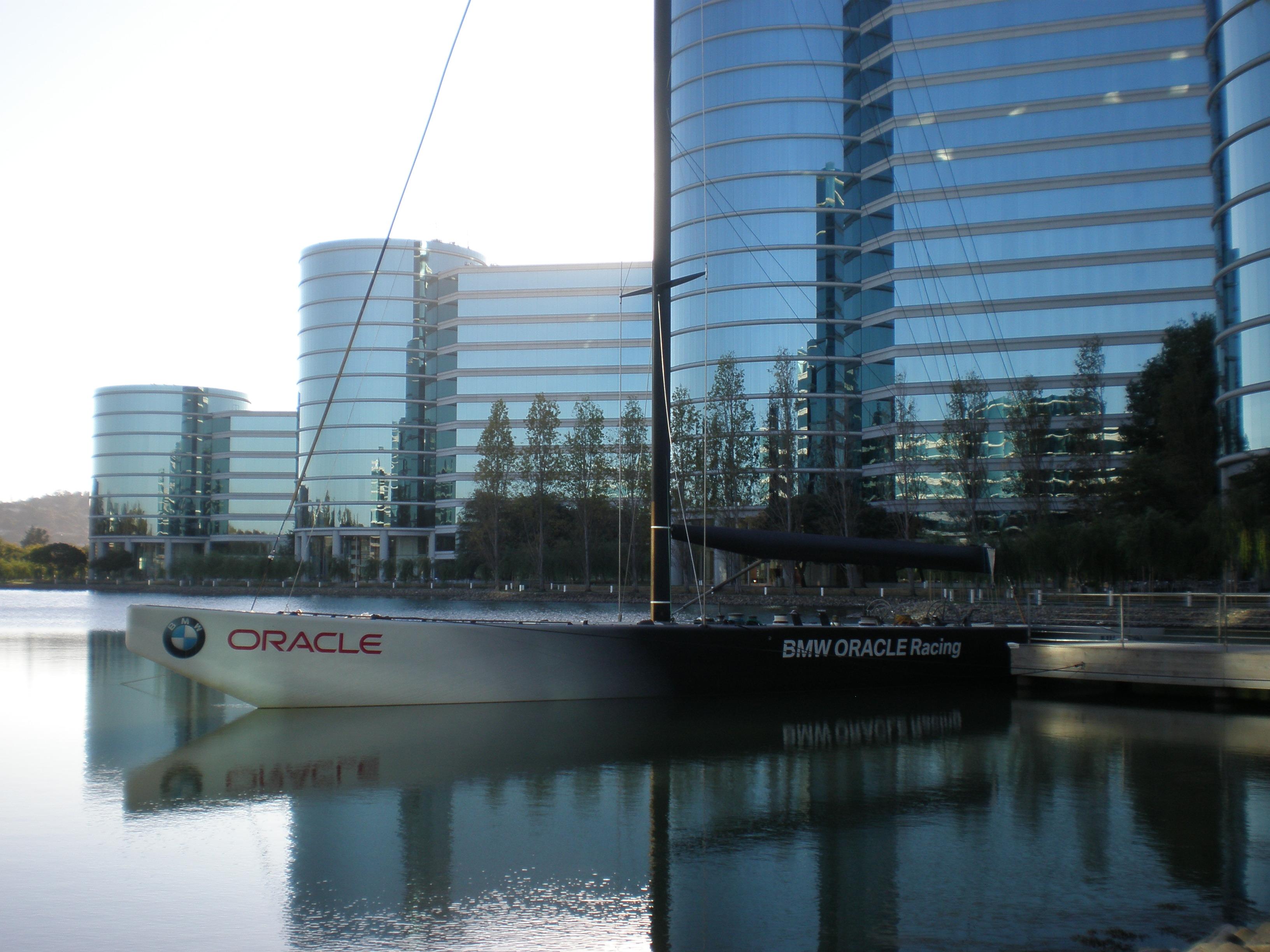 File:BMW ORACLE Racing USA 71 at Oracle HQ 2 JPG - Wikimedia