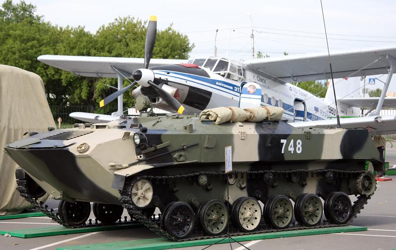BTR-D_-_VTTV-Omsk-2009_(1).jpg?uselang=r
