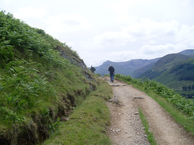 File:Bend in the path to Ben Nevis - geograph.org.uk - 856447.jpg
