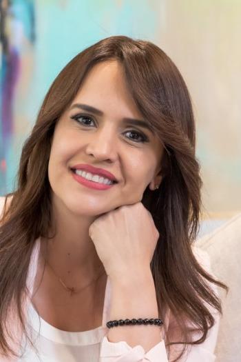 Clara Luz Flores - Wikipedia, la enciclopedia libre