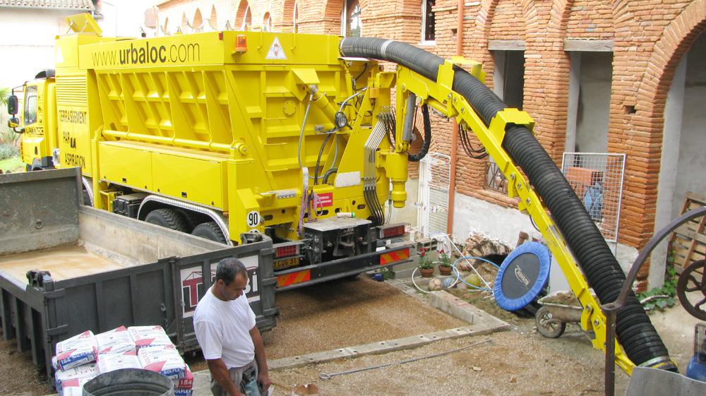 Demolition-renovation excavatrice-aspiratrice.jpg