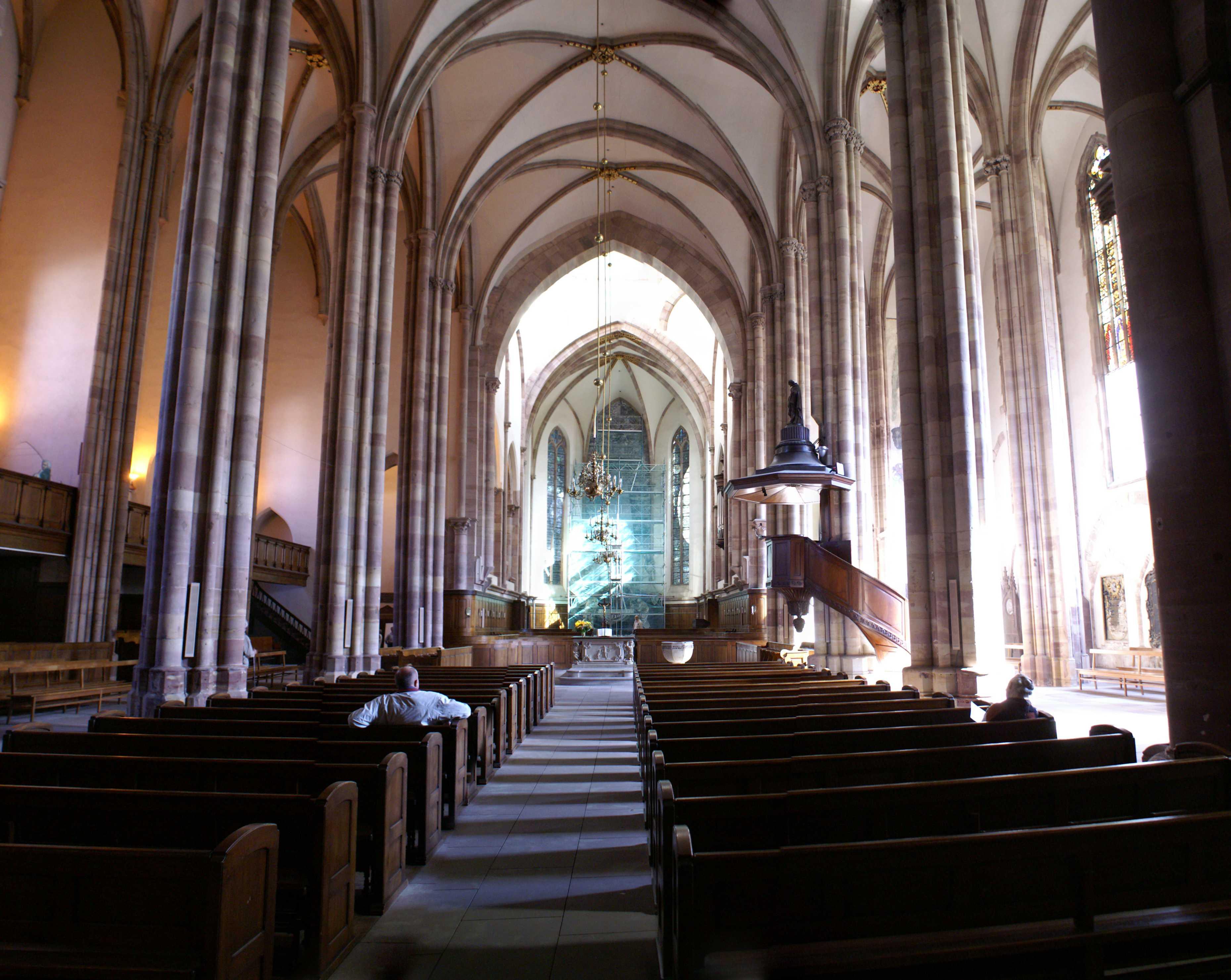 File eglise st thomas interieur for Interieur frans