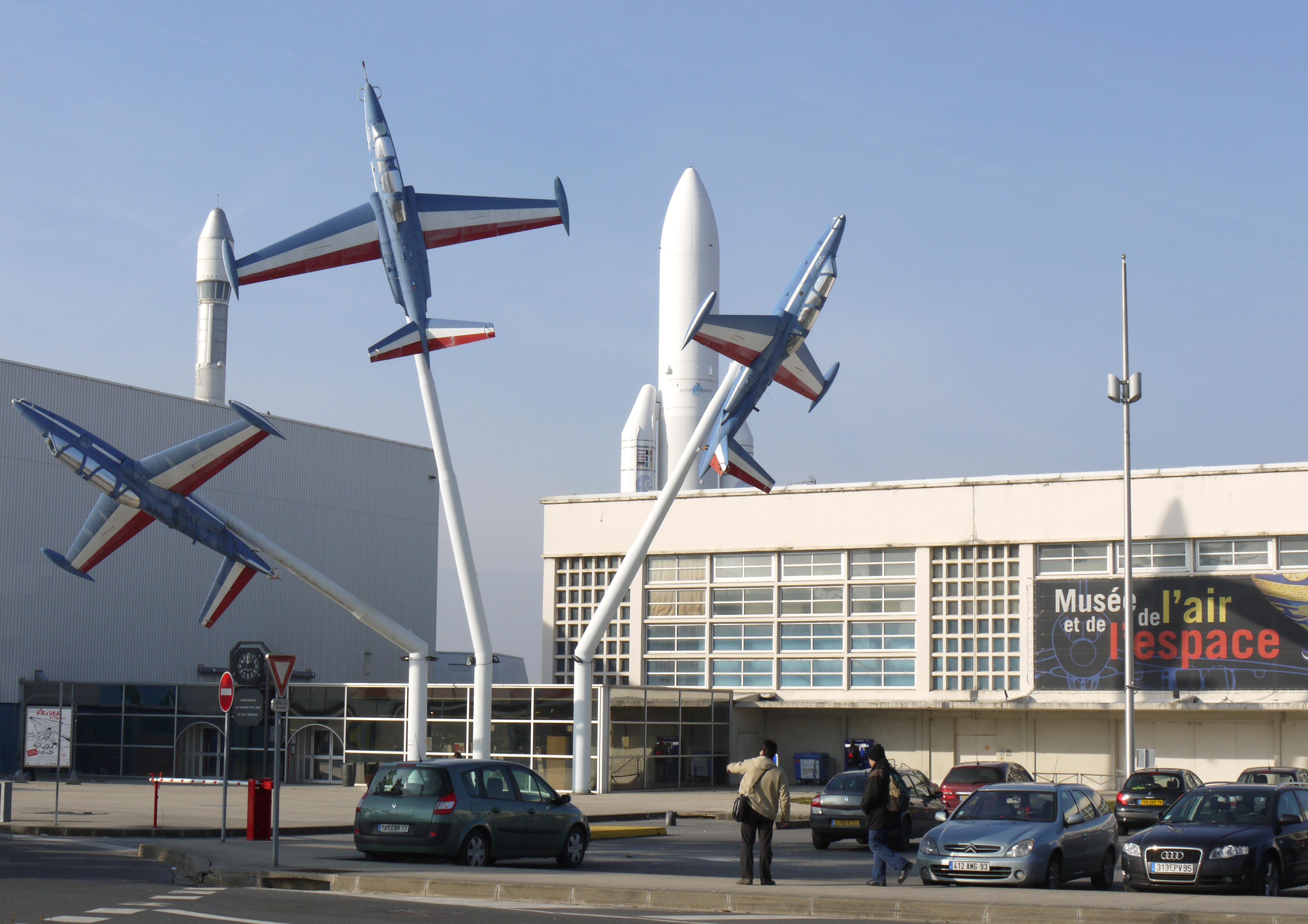File entree du musee de l air et de l espace le bourget for Bourget paris
