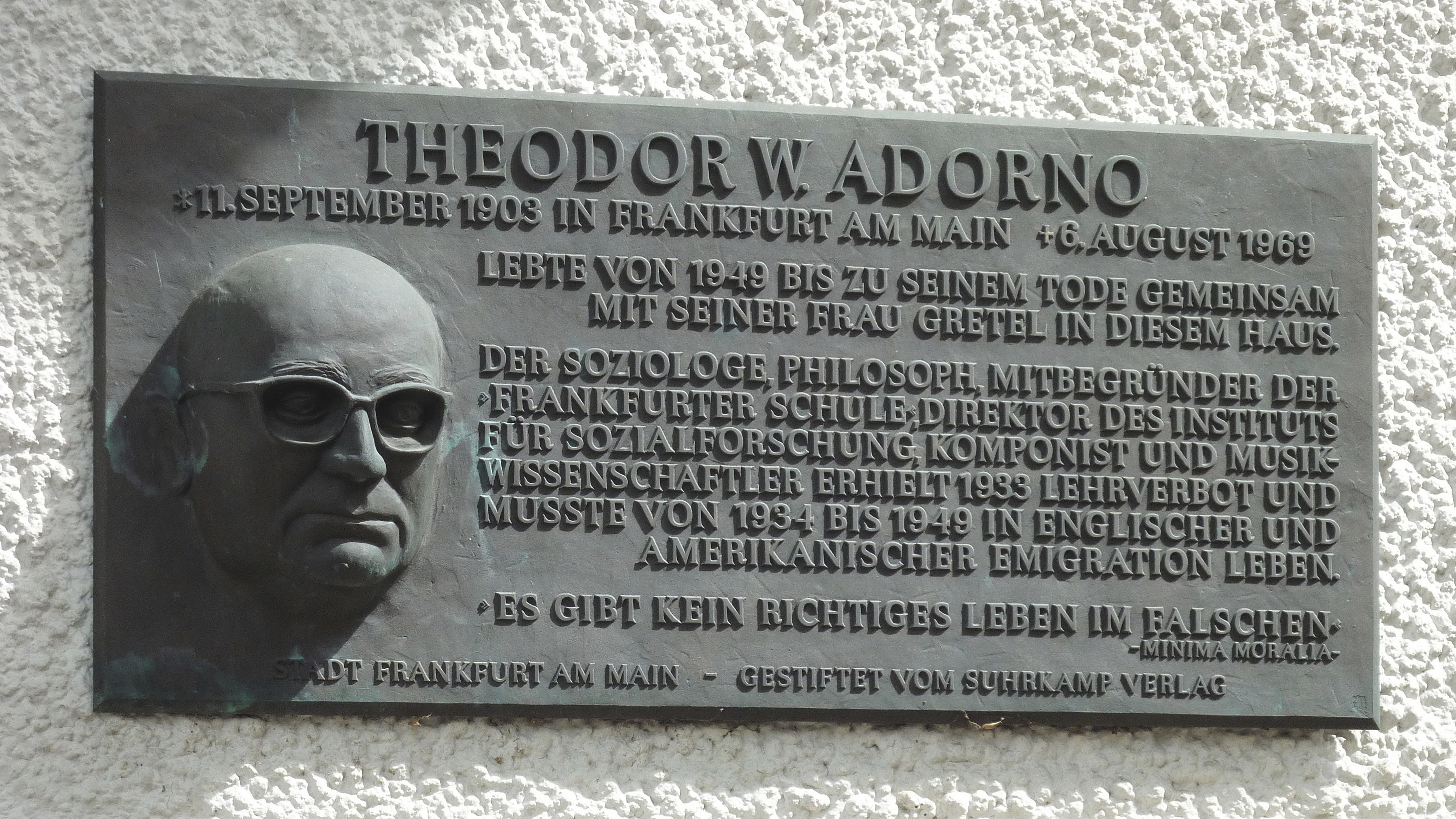 Теодор визенгрунд-адорно (wiesengrund-adorno) родился 11 сентября 1903 года во франкфурте-на-майне