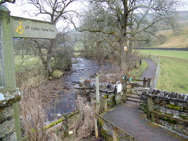 Footpath to Cotter Force - geograph.org.uk - 1816177