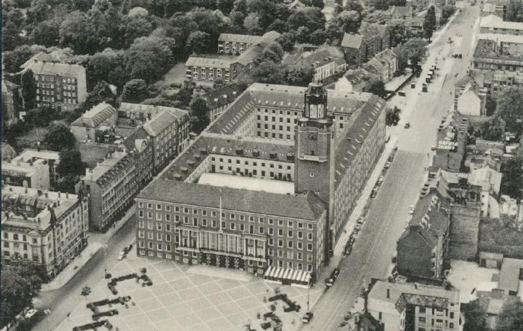 Vue aérienne de Frederiksberg Rådhus, l'hotel de ville de Frederiksberg.