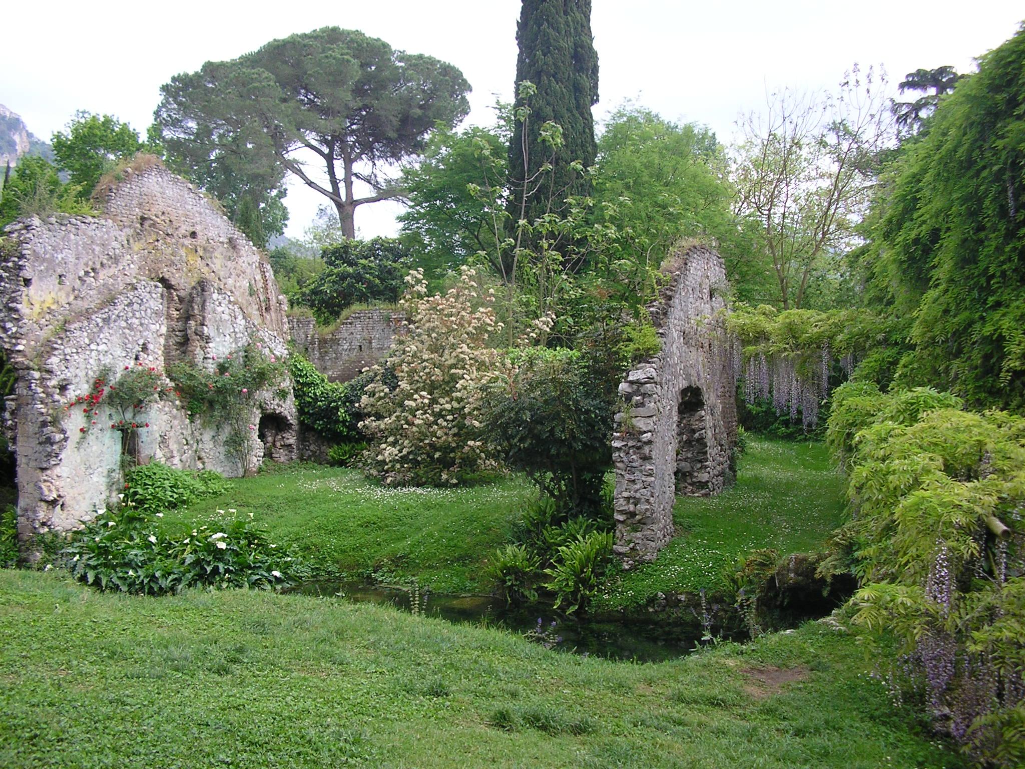 File giardino di ninfa rovine della citt jpg for I giardino di ninfa