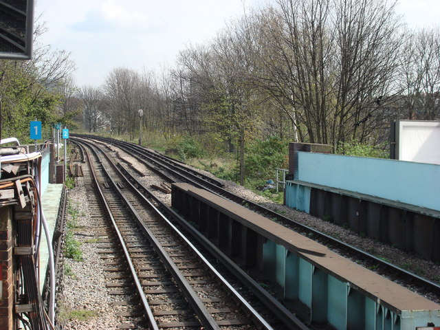 Hammersmith and City Railway Line - geograph.org.uk - 753791