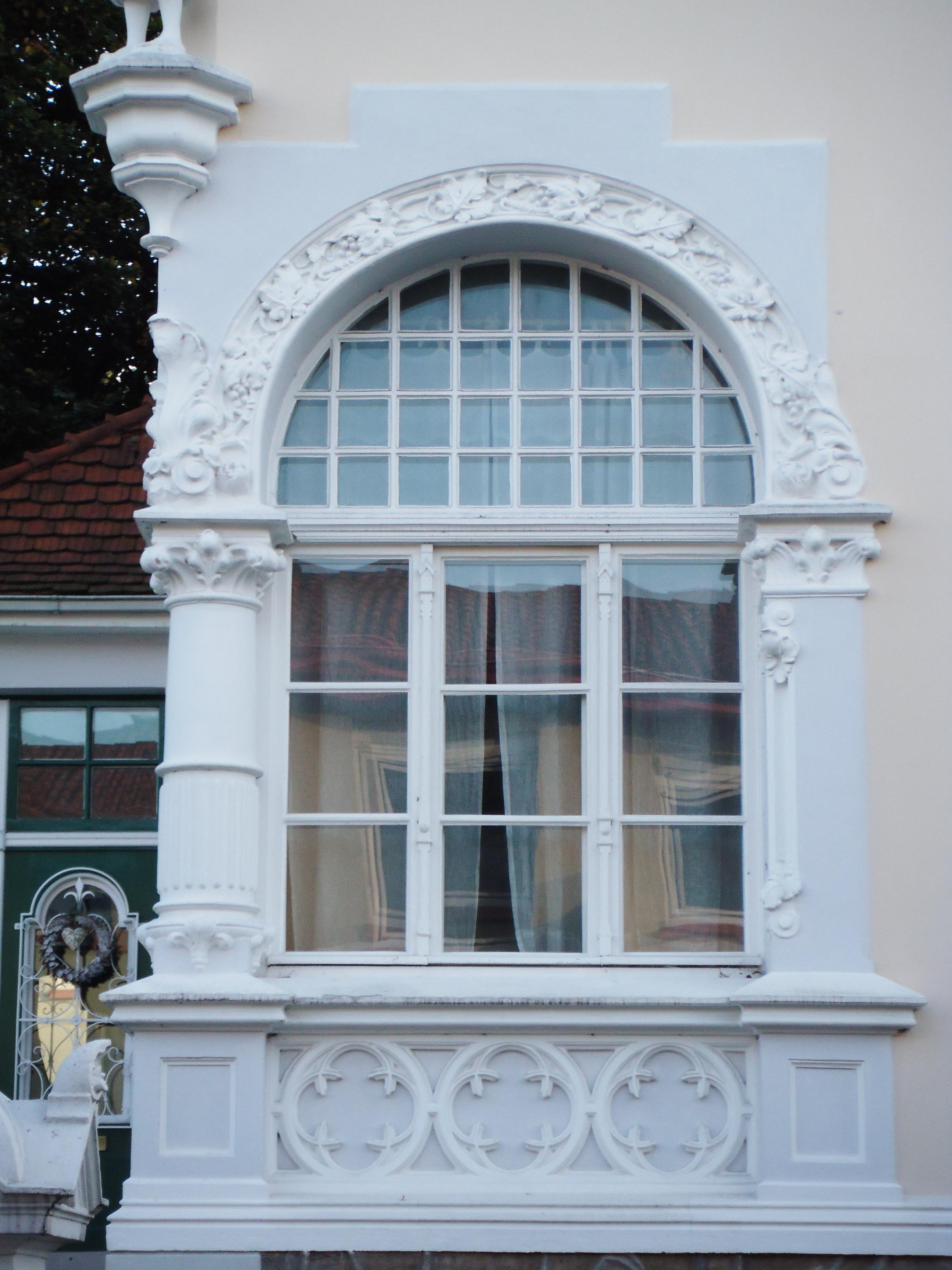 File herford baudenkmal 175 fenster wikimedia for Fenster herford