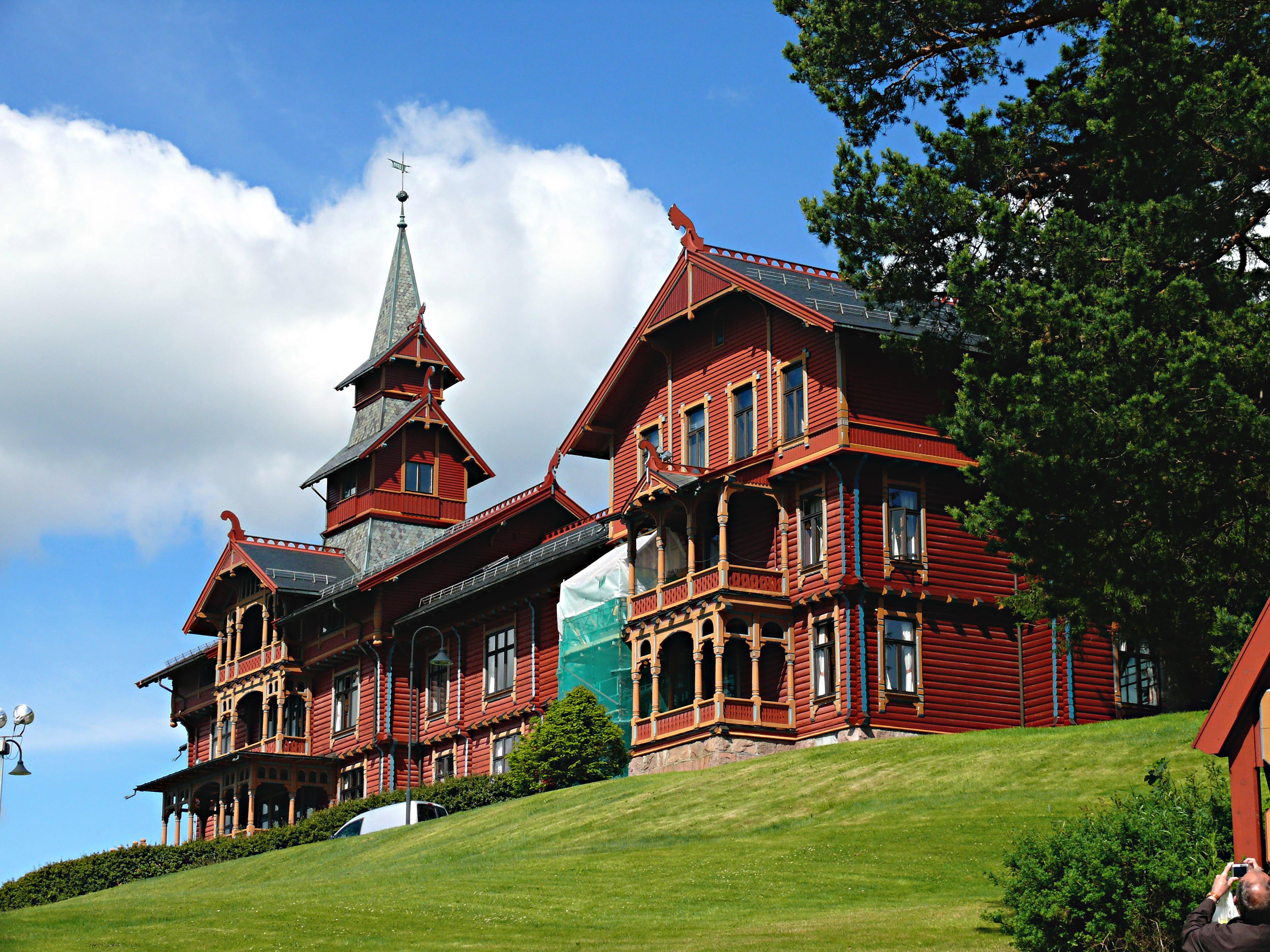 File:Holmenkollen Park Hotel Rica.jpg - Wikimedia Commons