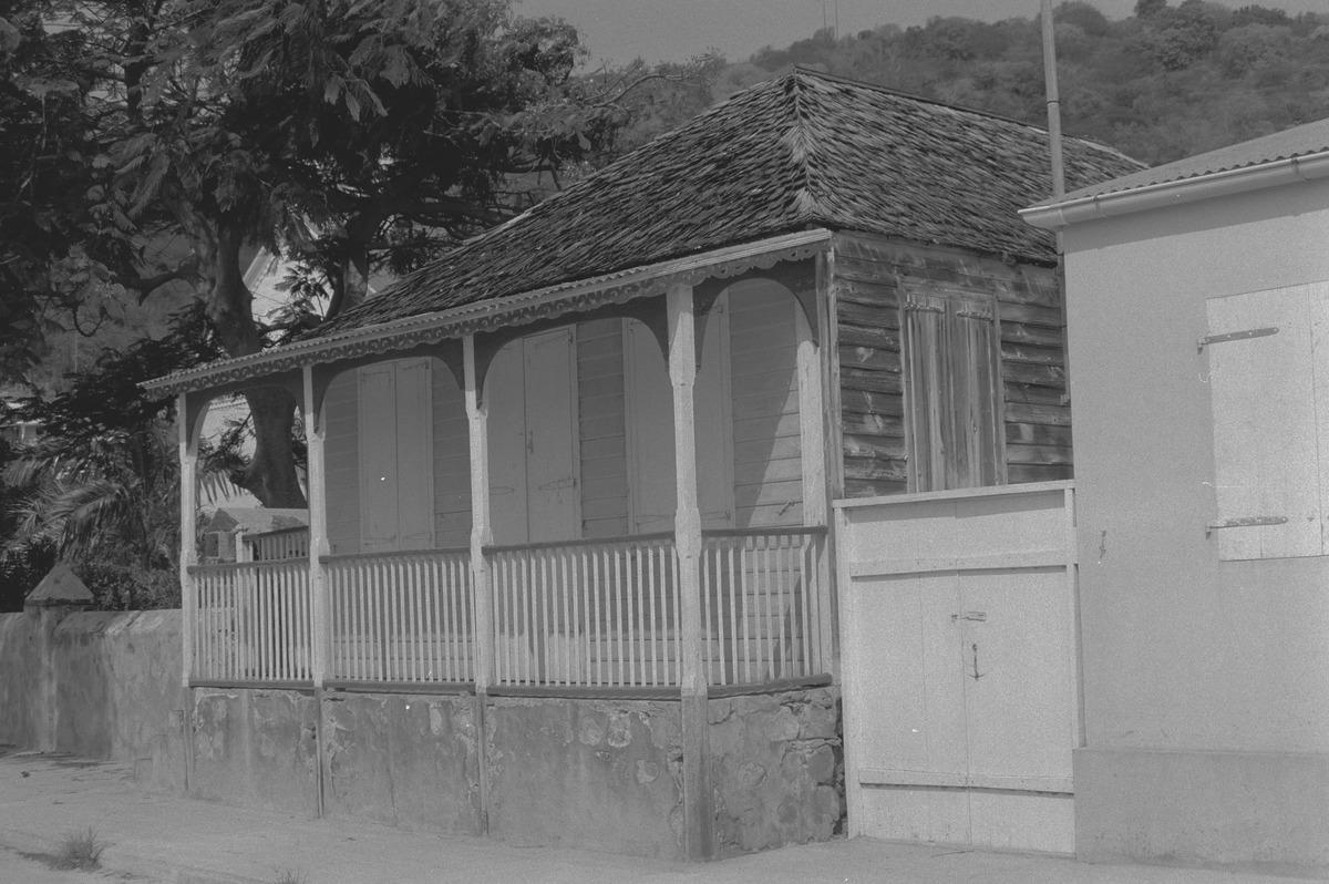 File houten huis met veranda rce g wikimedia commons
