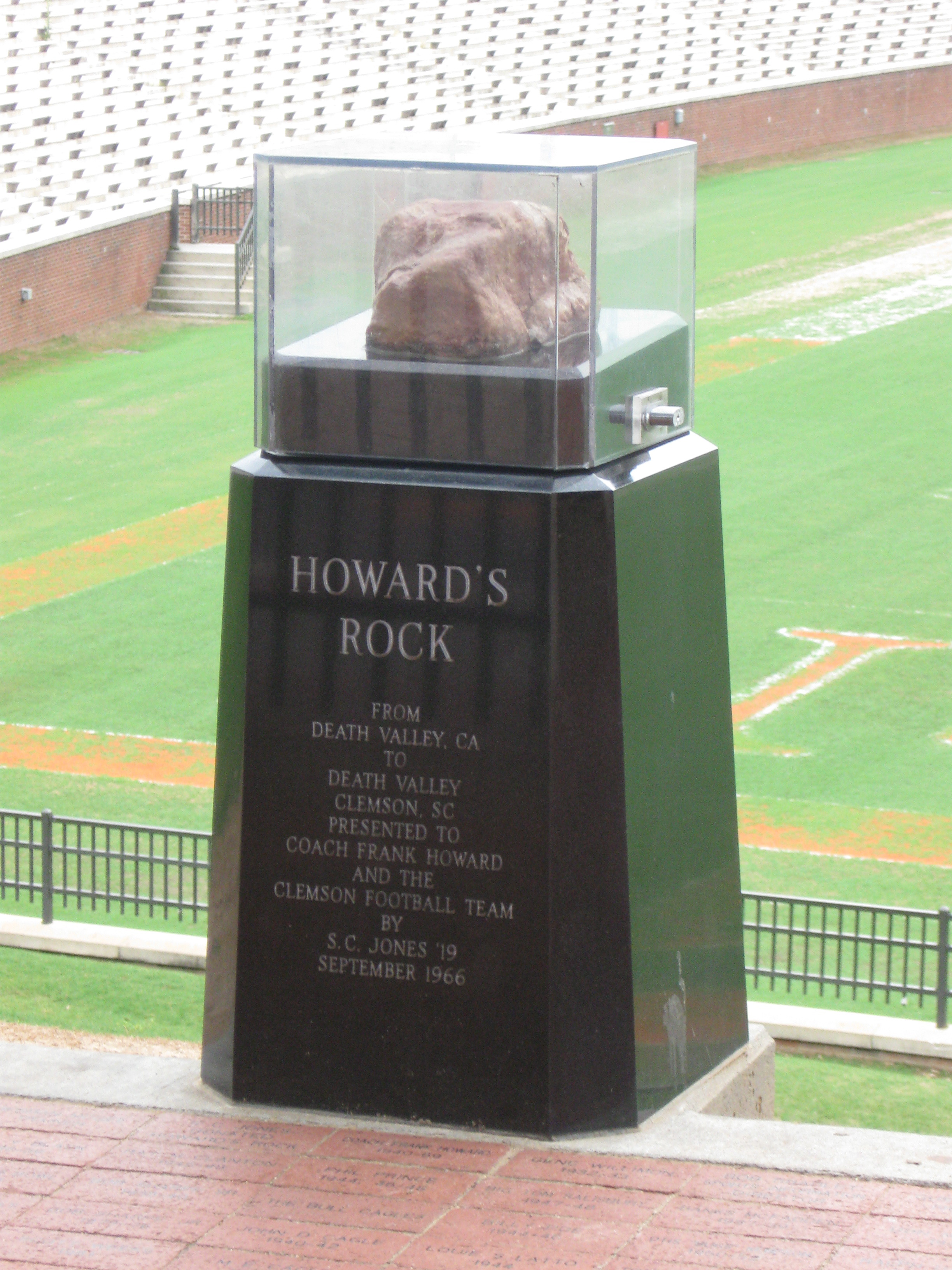 Howard S Rock Wikipedia Coach howard then discusses his coaching career while taking viewers around his home, and the clemson the university campus. howard s rock wikipedia