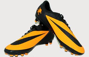 Nike Free Hypervenom  Fs Leisure Soccer Shoes On People
