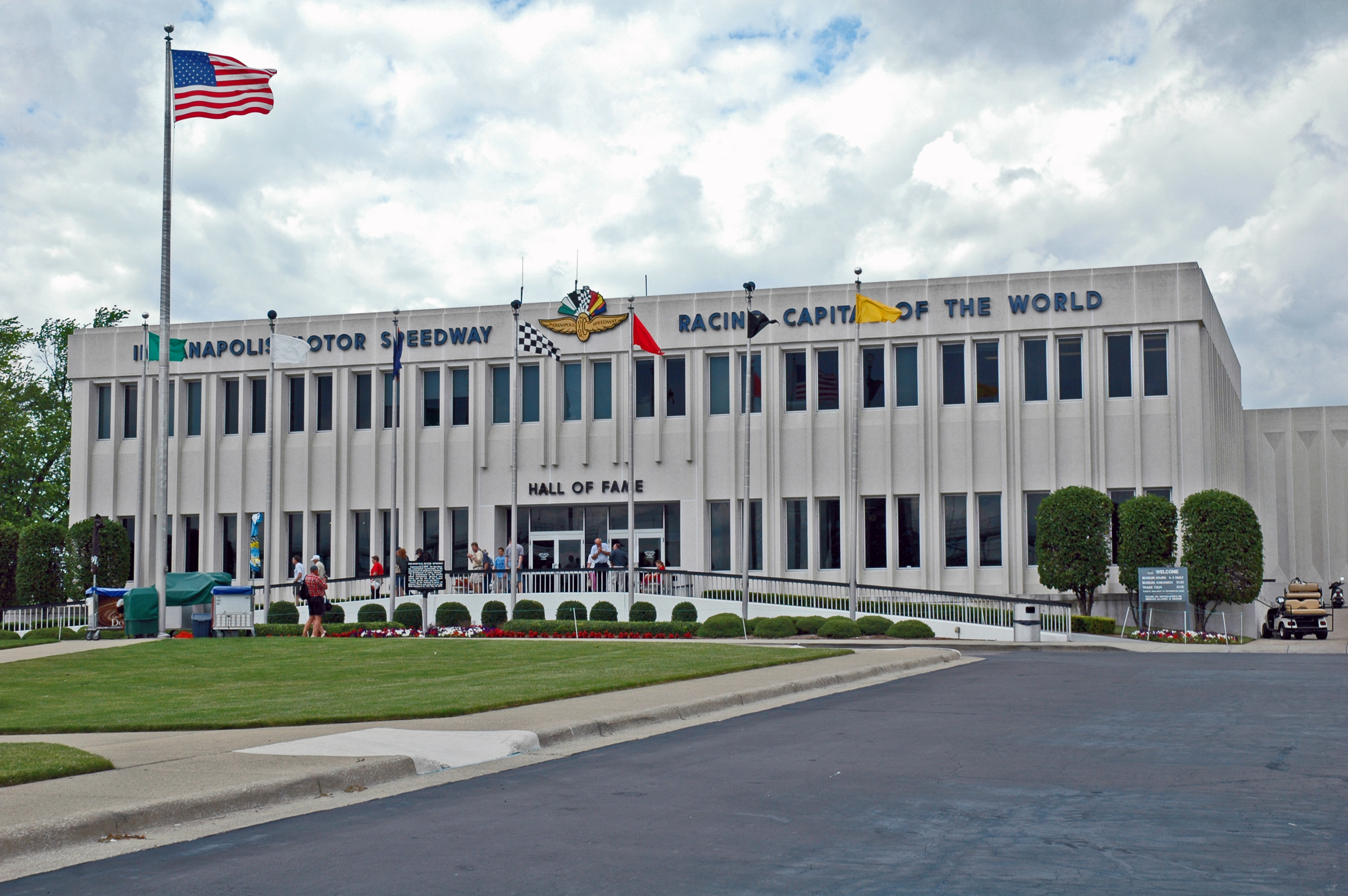 Indianapolis motor speedway museum for Hotels near indianapolis motor speedway indiana