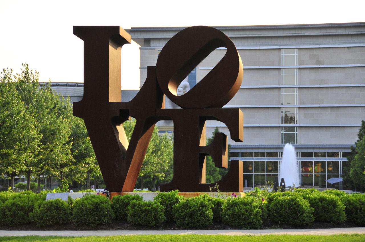 Indianapolis Museum of Art statue