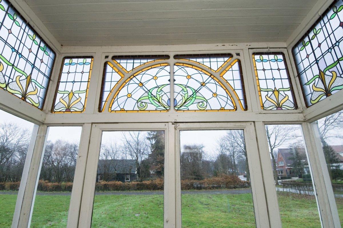 datei interieur glas in lood bovenlichten in art nouveau in de serre van de krimpenboerderij. Black Bedroom Furniture Sets. Home Design Ideas