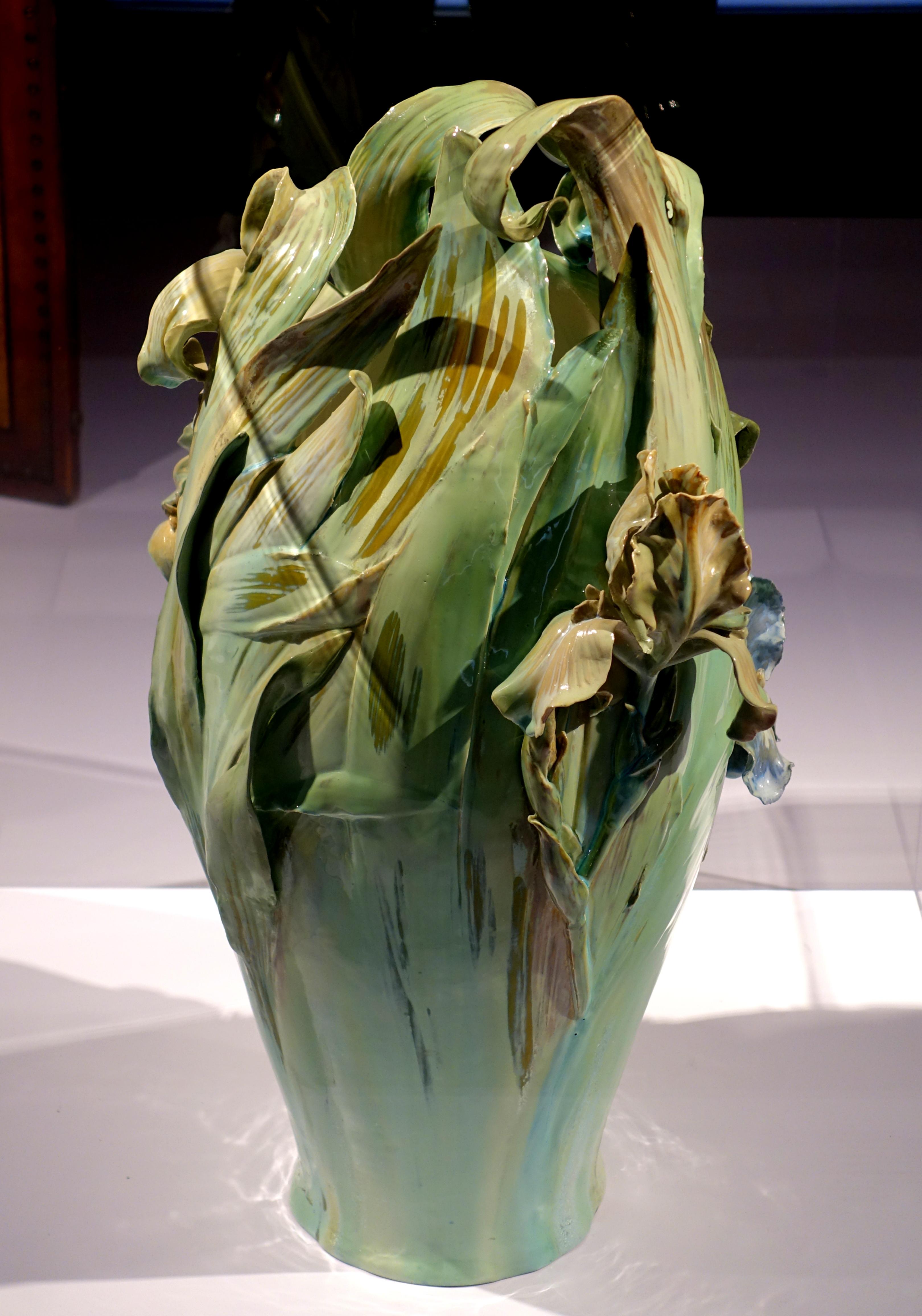Design 54 Berlin file iris vase design by albert klein königliche porzellan