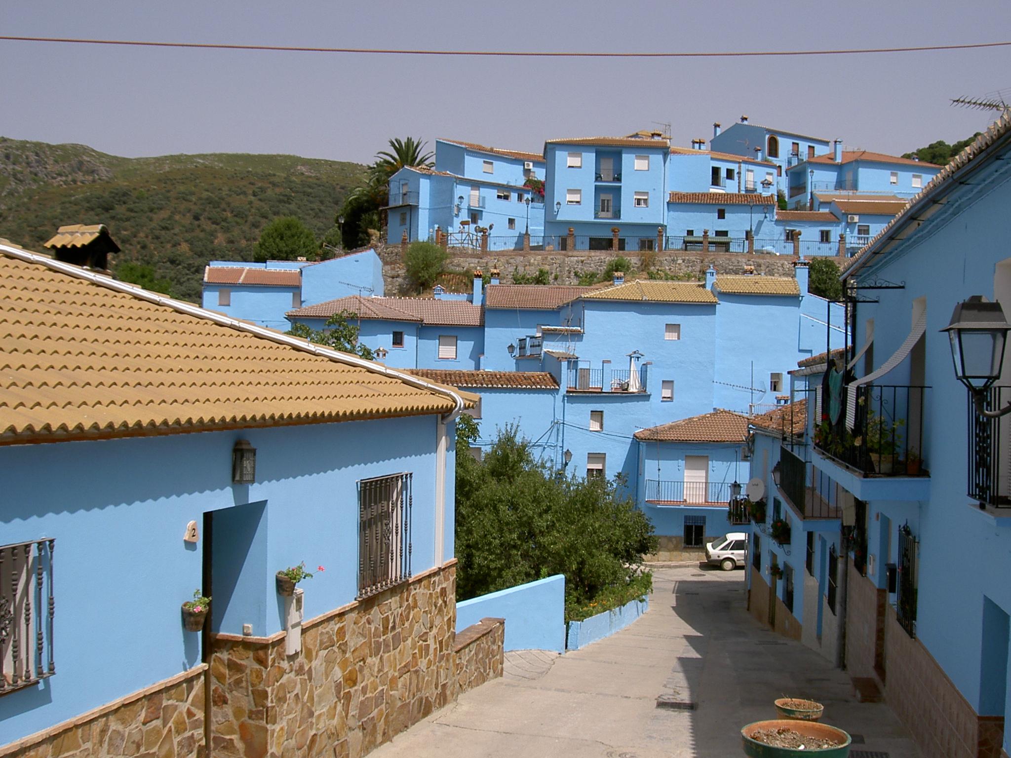 DEFIS ZOOOOOOM Monde B160 à ... - (Mars 2016/en cours) - Page 12 J%C3%BAzcar_M%C3%A1laga_Andalusia_Spain_smurf_town