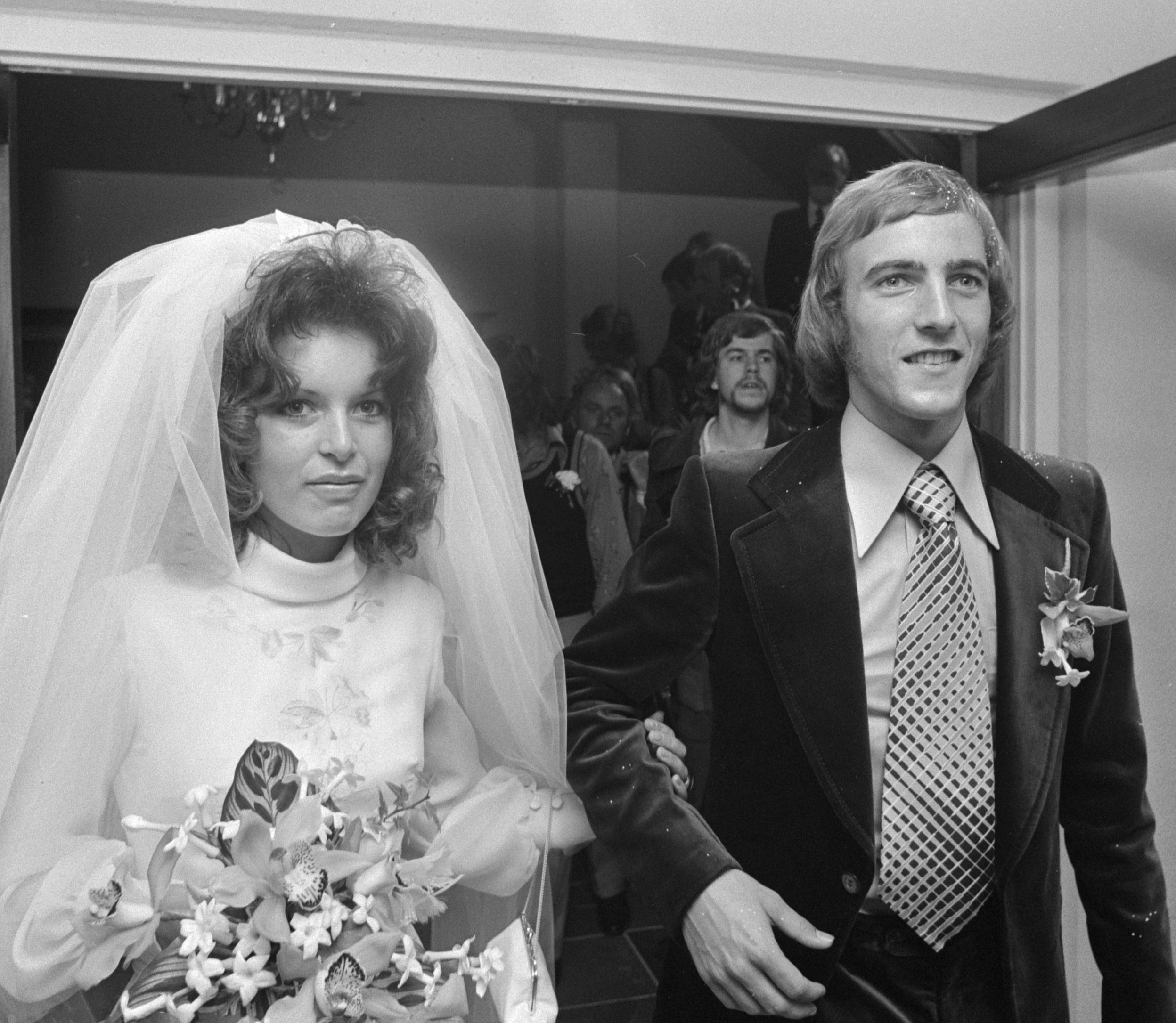 File Johan Neeskens and Marianne Schiphof 1974b Wikimedia