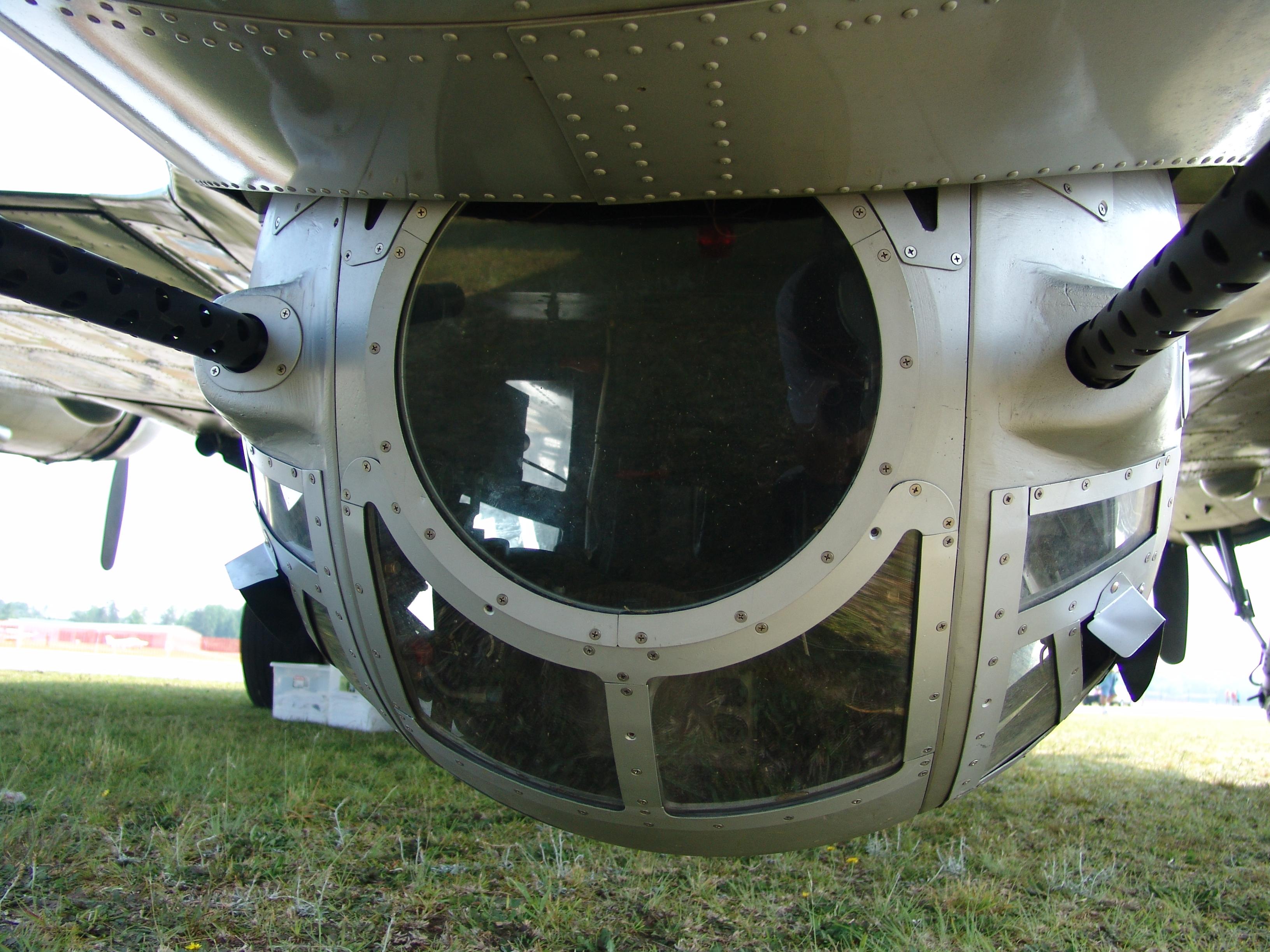 B 24 Ball Turret Ball turret | M...