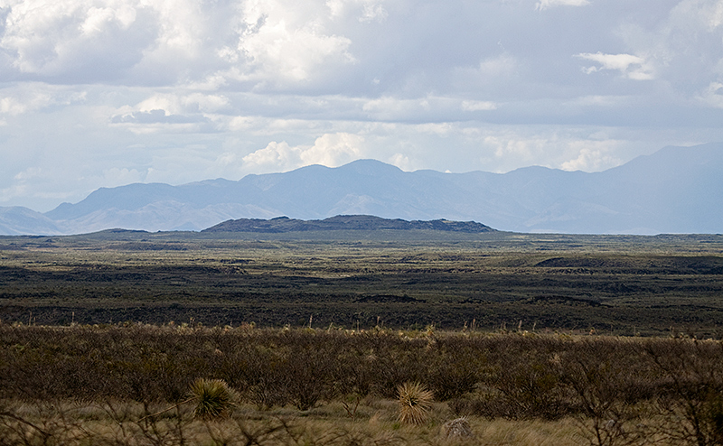 File:Looking north towards the Jornada del Muerto Volcano.jpg