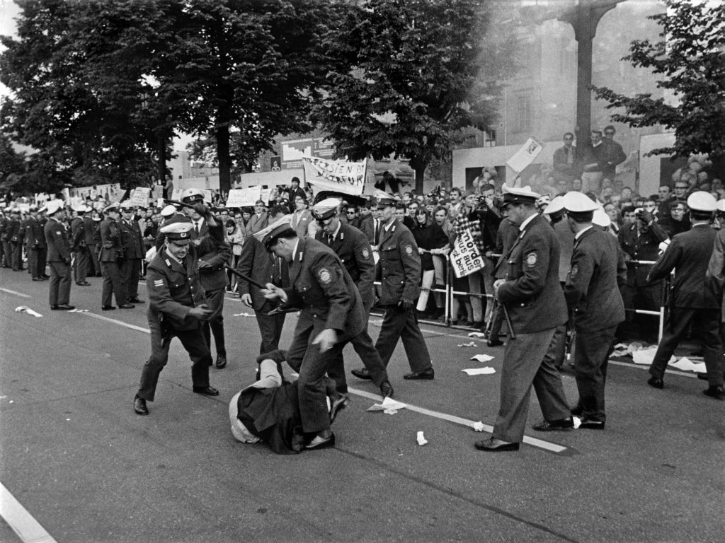 Ludwig Binder Haus der Geschichte Studentenrevolte 1968 2001 03 0275.0155 (16870592987).jpg