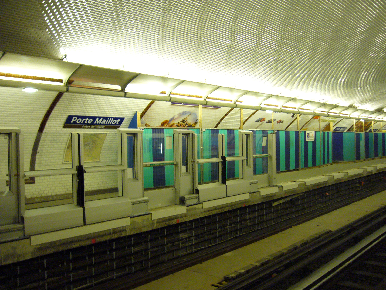 File metro paris ligne 1 porte maillot installation for Porte maillot