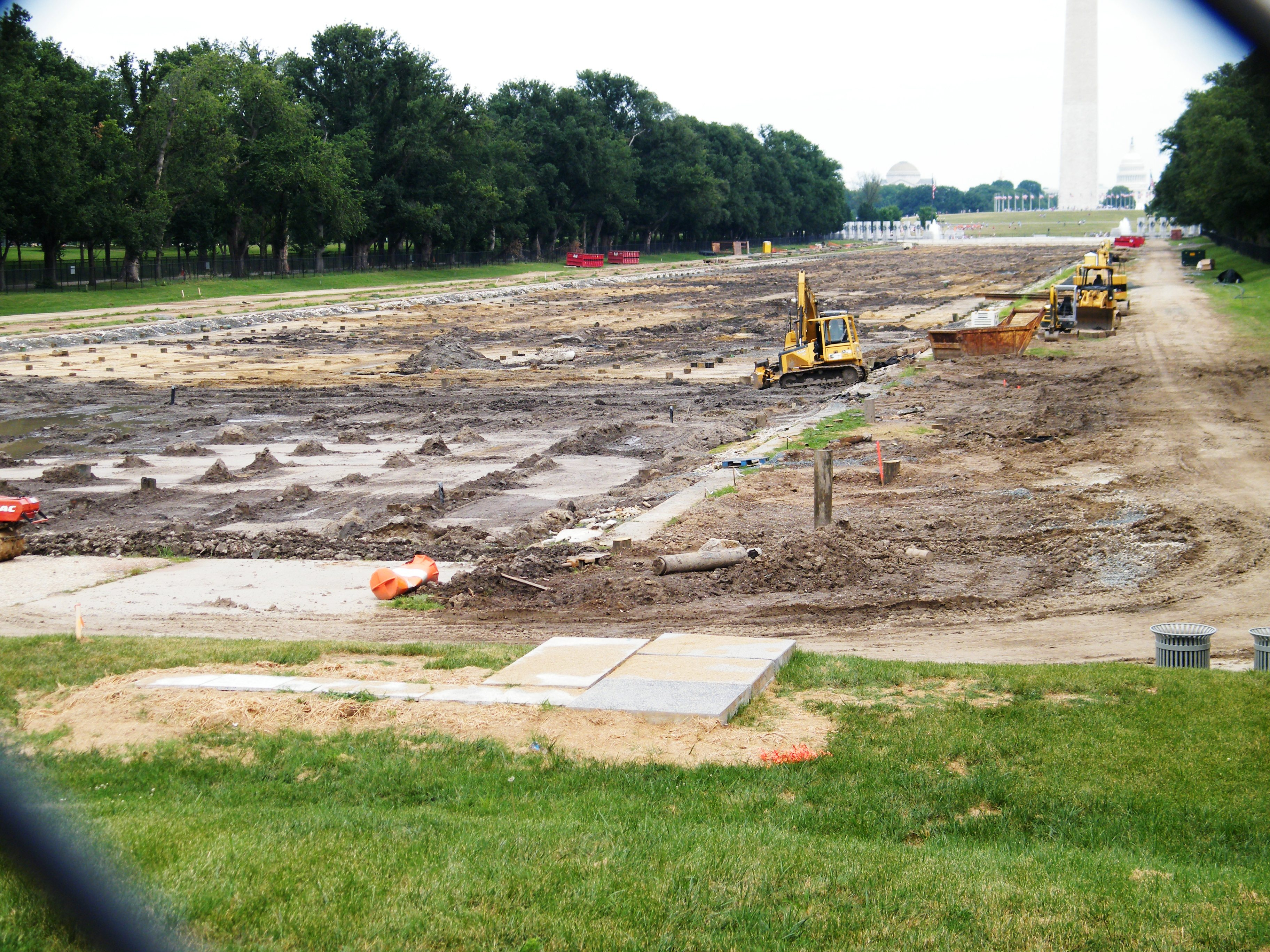 National Mall undergoing renovations - Stierch.jpg English: National Mall under renovations, 2011 Date 18 June 2011 Source Own work Author