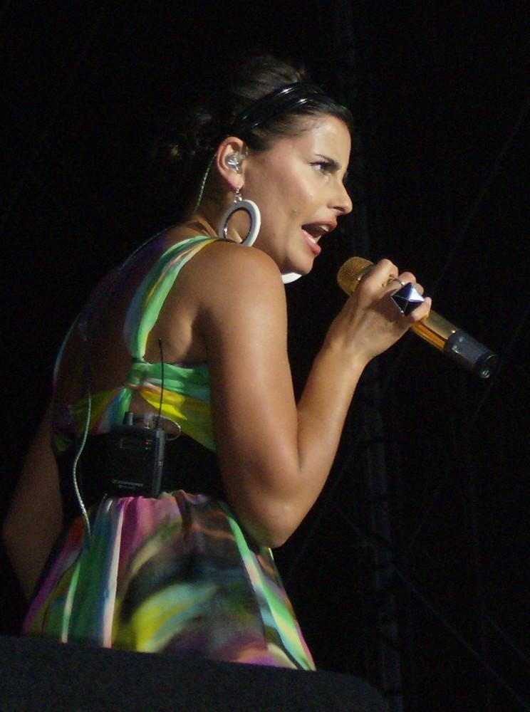 Nelly Furtado - Wikipe...
