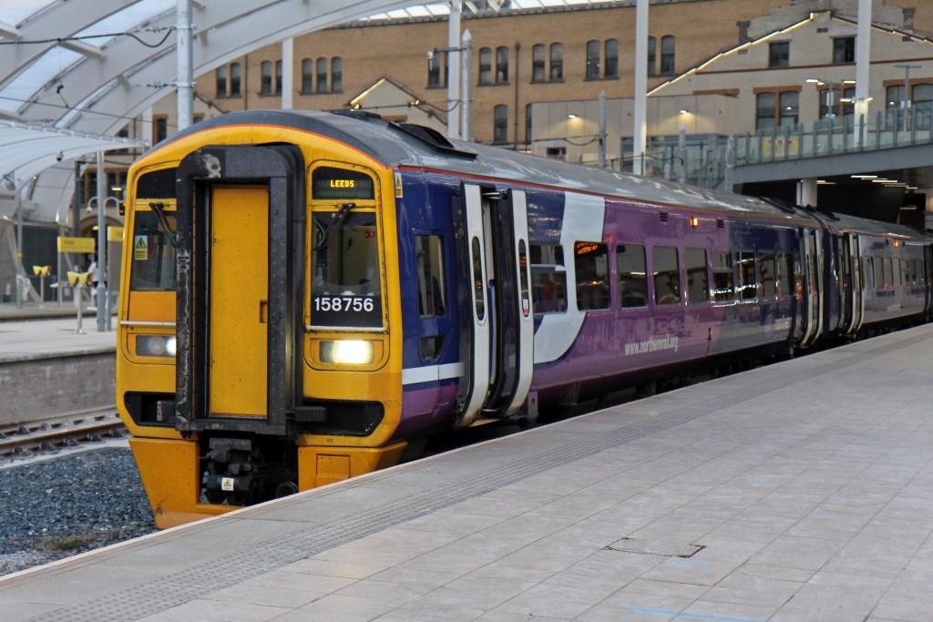 Northern_Rail_Class_158%2C_158756%2C_platform_1%2C_Manchester_Victoria_railway_station_%28geograph_4512929%29.jpg?profile=RESIZE_710x