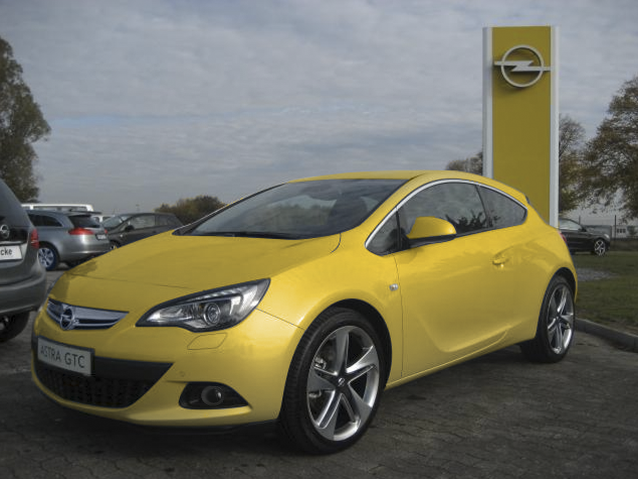 file opel vaux astra gtc wikimedia commons. Black Bedroom Furniture Sets. Home Design Ideas