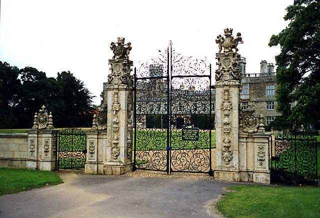 Ornamental Gates, Castle Ashby, Northamptonshire - geograph.org.uk - 1062165