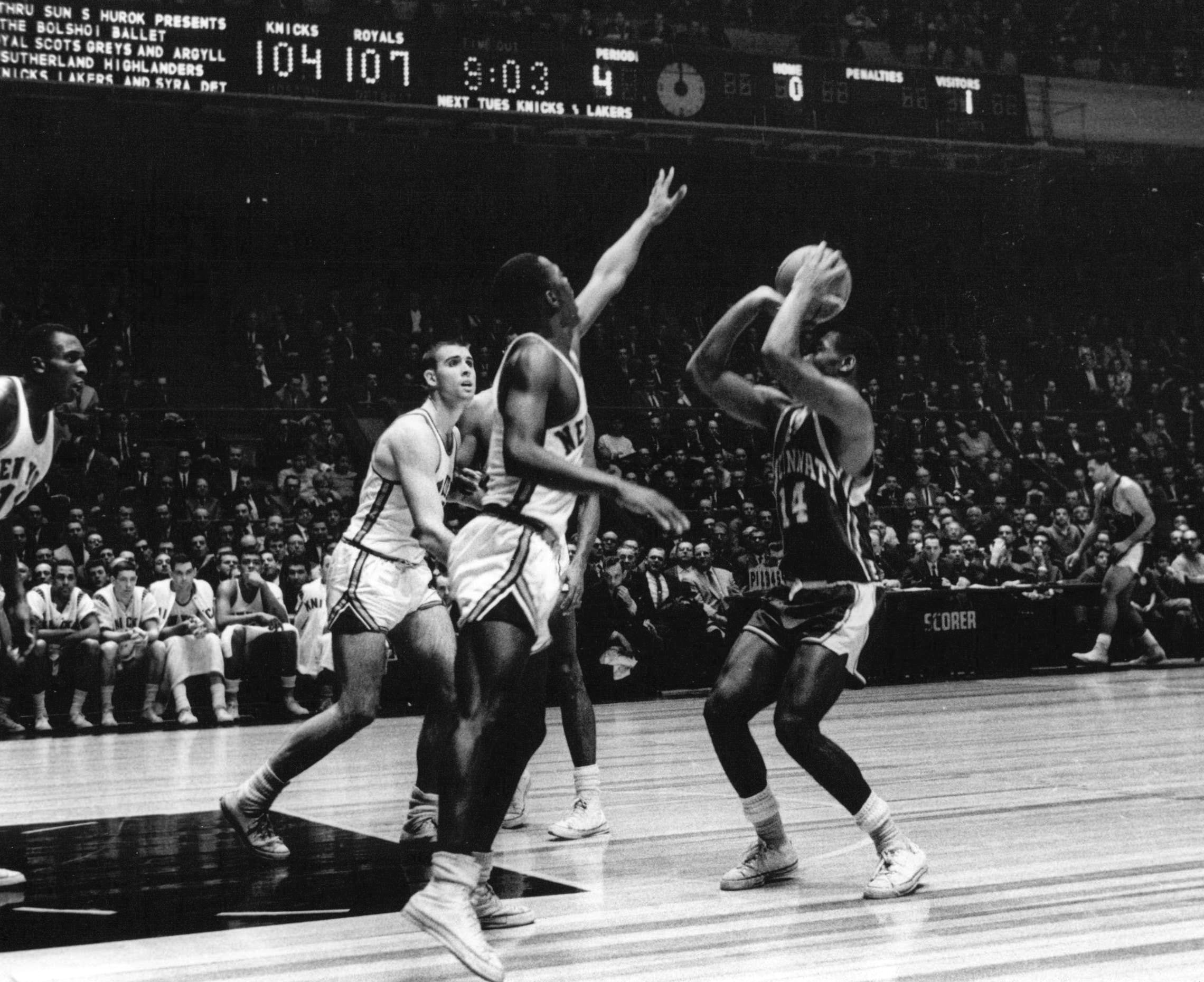 File Oscar Robertson Royals vs Knicks Wikimedia mons