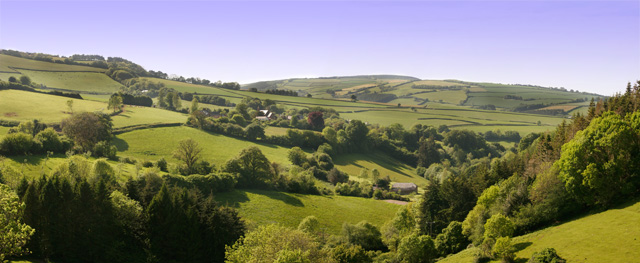 File:Panoramic view looking towards Leighland Chapel - geograph.org.uk - 440526.jpg