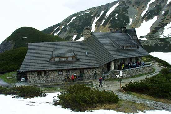 Schronisko PTTK w Dolinie Pięciu Stawów