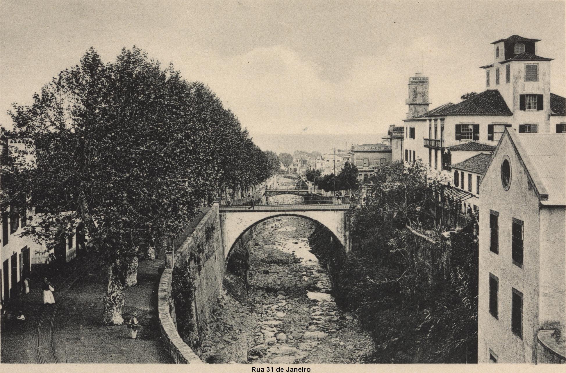 Ponte_Nova_da_Rua_dos_Netos_sobre_a_Ribe