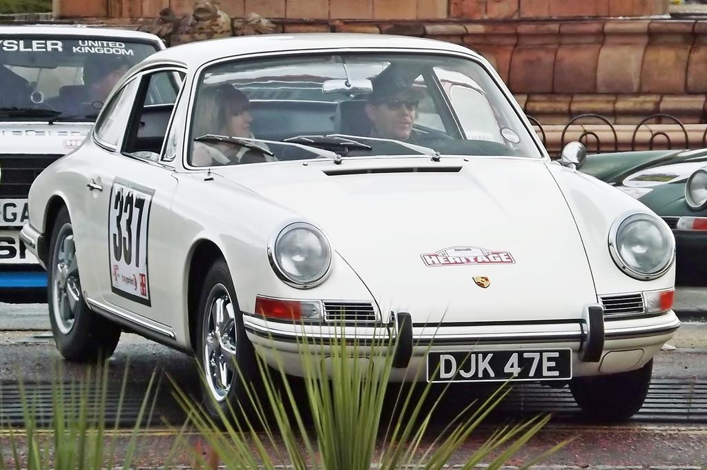 Porsche_912_%288427036555%29.jpg