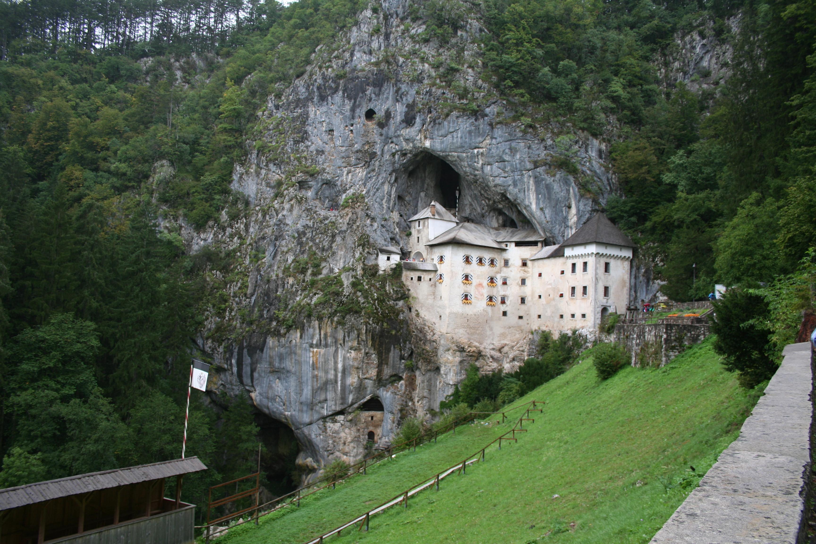 File:PredJama 4.jpg - Wikimedia Commons