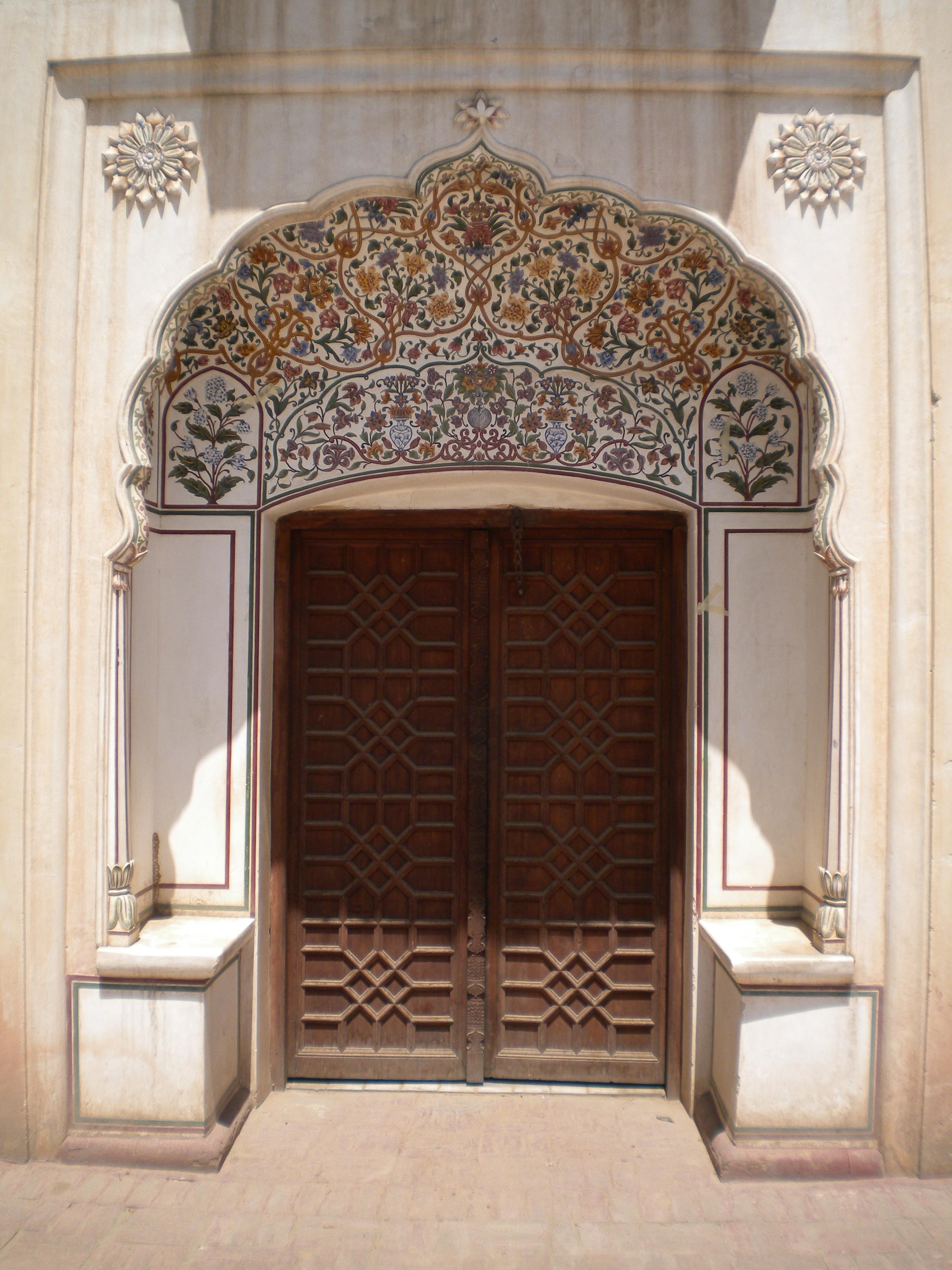 File:Punjabi Decorated Door.jpg - Wikimedia Commons