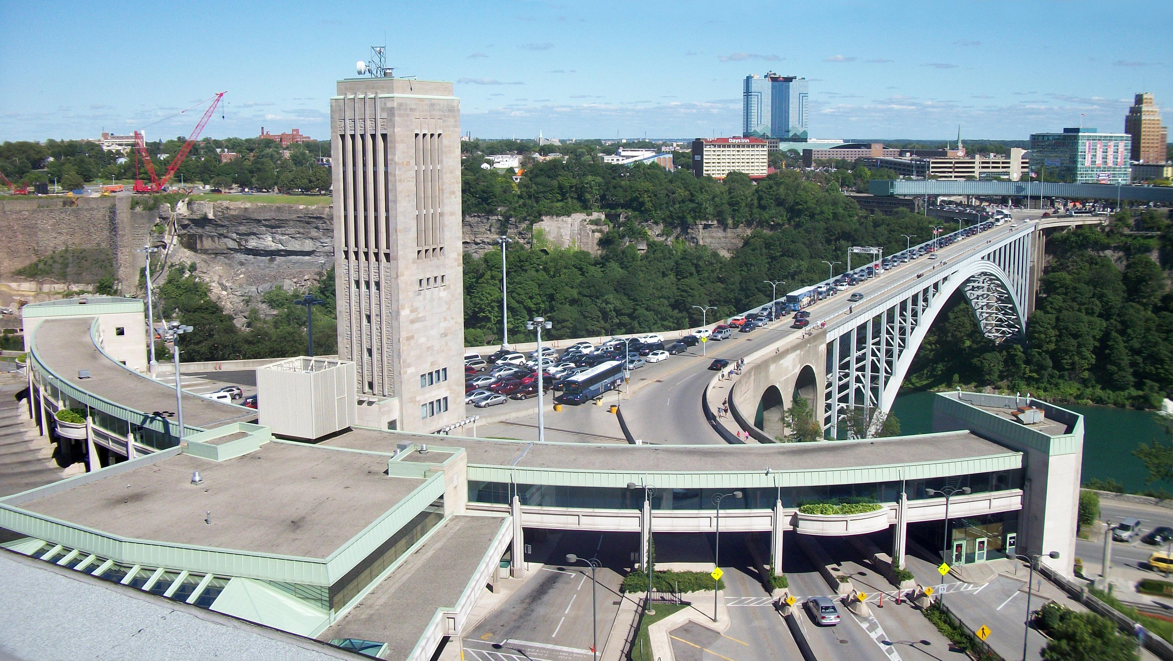 File Rainbowbridge Niagarafalls Jpg Wikimedia Commons