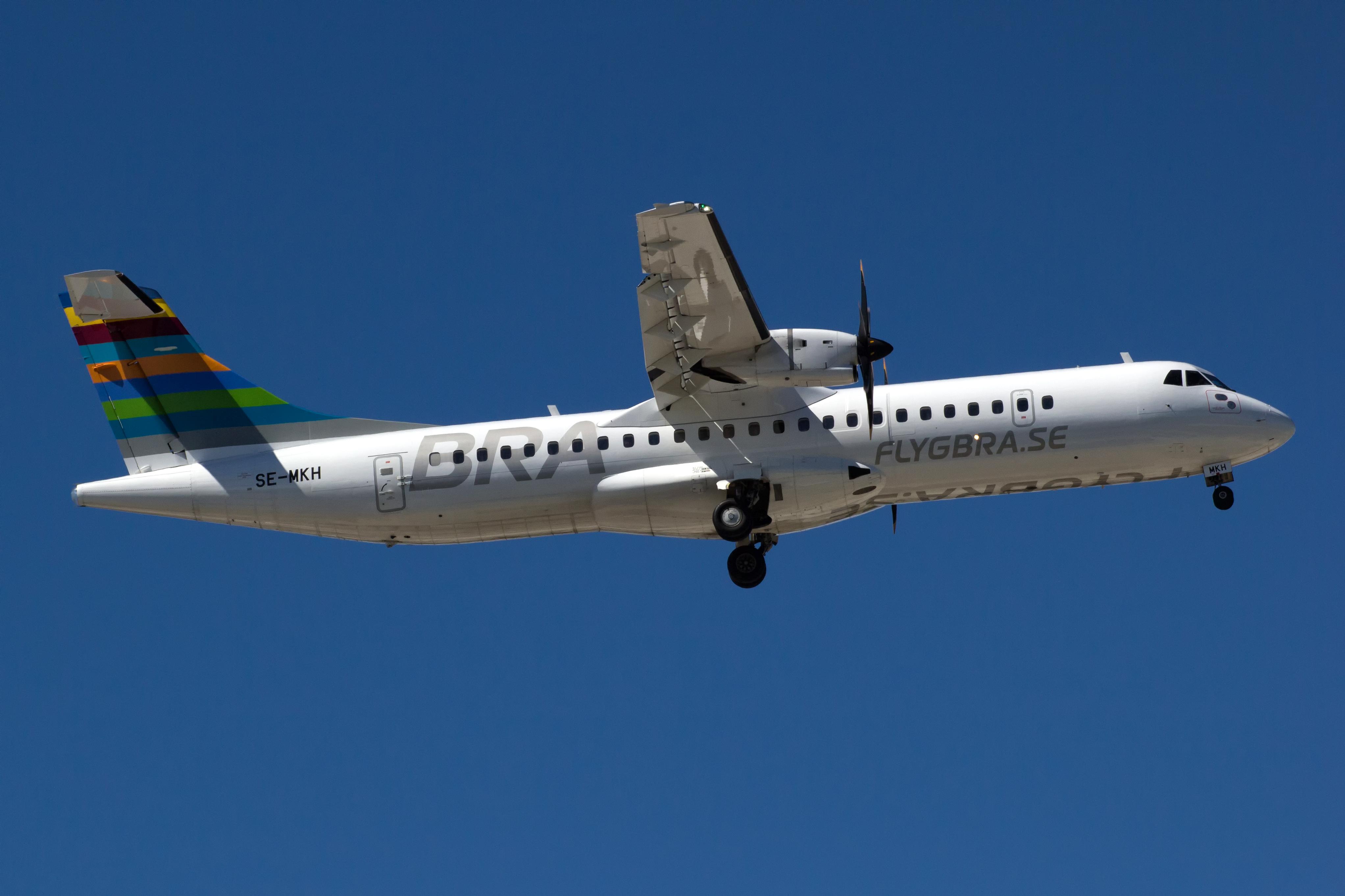 Bildresultat för braathens regional airways atr 72